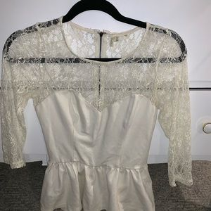 Guess Peplum White Lace Shirt, half sleeve top
